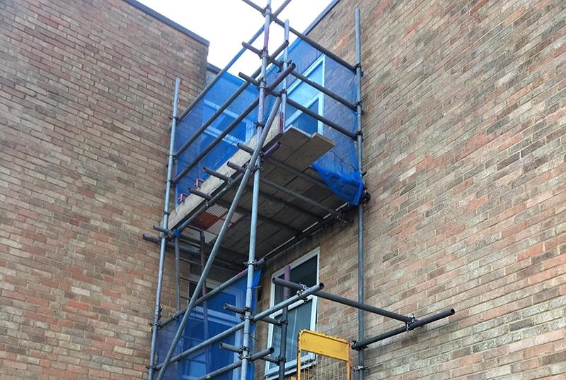 Scaffolding in Gravesend